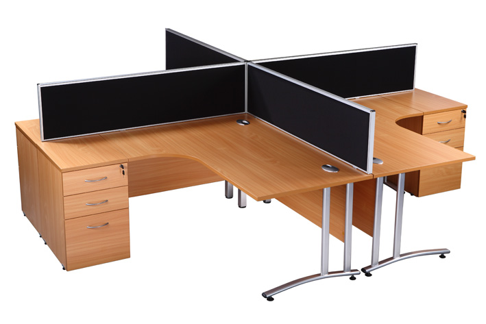 Special offer NEW 4 person set up with screens and pedestals