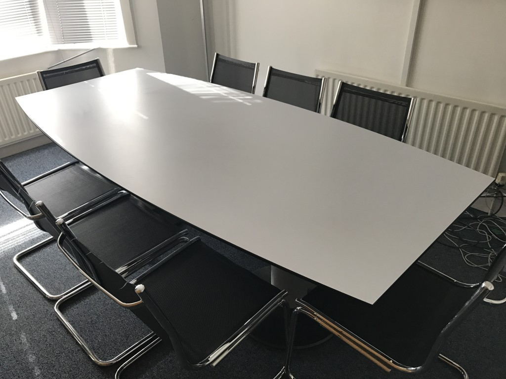 WHITE BOARDROOM TABLE AND 8 MESH CHAIRS
