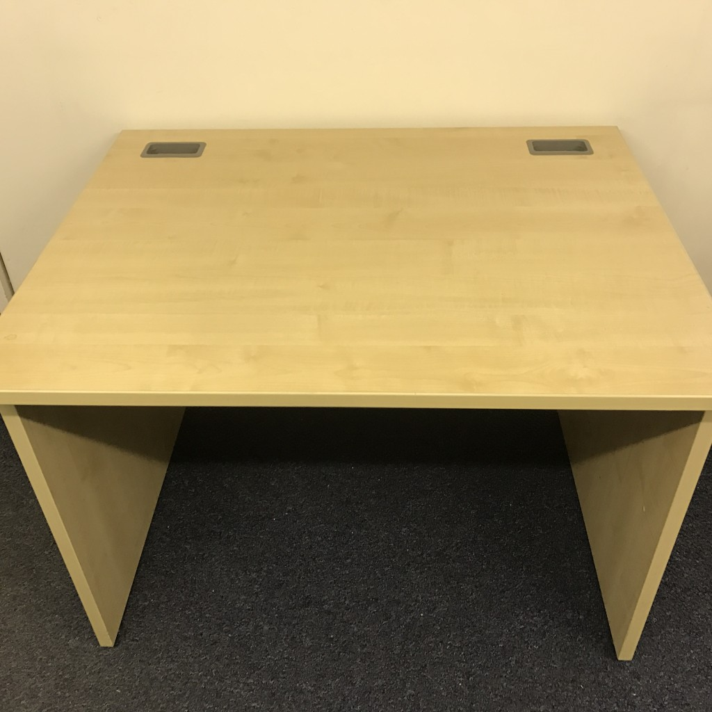 Call maple center desk 1000x 800